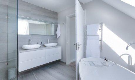 Tarif pour la rénovation complète d'une salle de bain par une entreprise de rénovation d'intérieur à Lyon